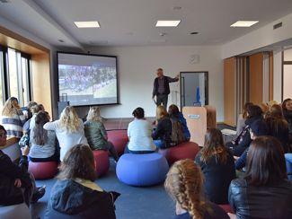 Premiere: Angehende Fachkräfte der Heilerziehungspflege/ Heilerziehungspflegehilfe betreten erstmals neue Schule in Neumarkt!