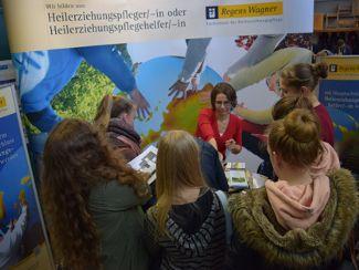Regens Wagner Lauterhofen bei Ausbildungsmesse 2016 in der Berufsschule Neumarkt