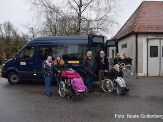 Regens Wagner Lauterhofen freut sich über neuen Bus!