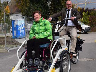Fahrrad mit Rollstuhlplattform für die Offenen Hilfen Neumarkt Nord
