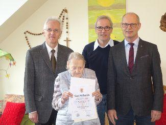 Herzliche Glückwünsche zum 90. Geburtstag
