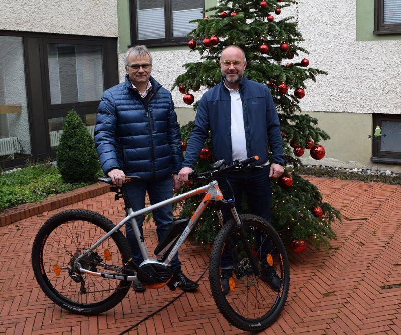 Die Bayernwerk AG spendet Regens Wagner Zentrum